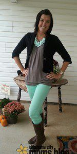 The mint colored jeans give this outfit the perfect pop of color.