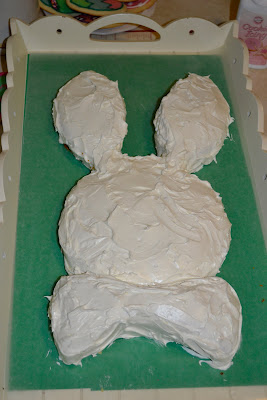 easter-bunny-cake-icing