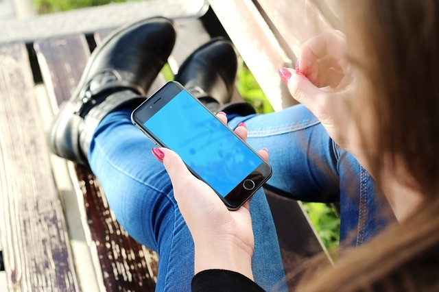 Momsneed tounplug andreconnect - Ways to put down the phone and reconnect with people