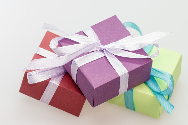 Simplify the Holiday Season with the 3 Gift Rule