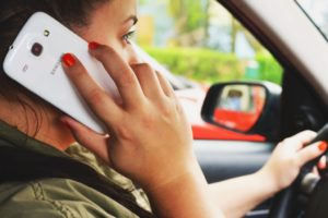 calling-car-communication-3056